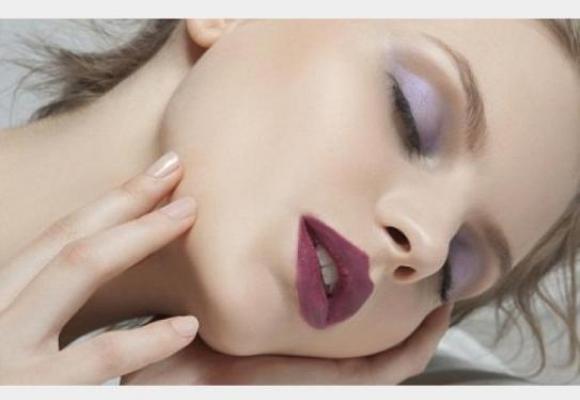 النوم بالماكياج هل يضر بالصحة !! تعرفي على ذلك الان