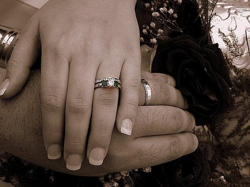 4 جنسيات يمنع الزواج منها في السعودية!